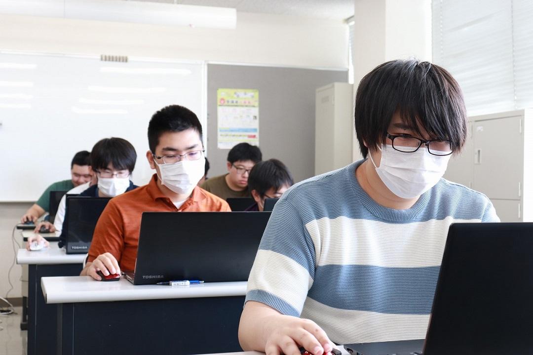 Ai.R-Cordを使用する学生